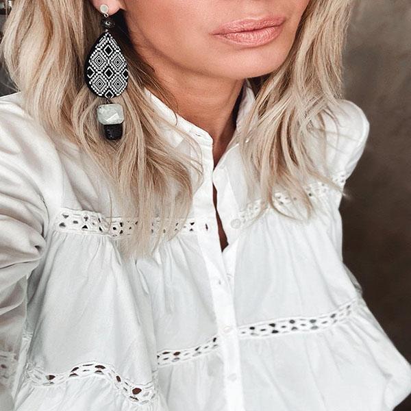 Earrings oval B&W
