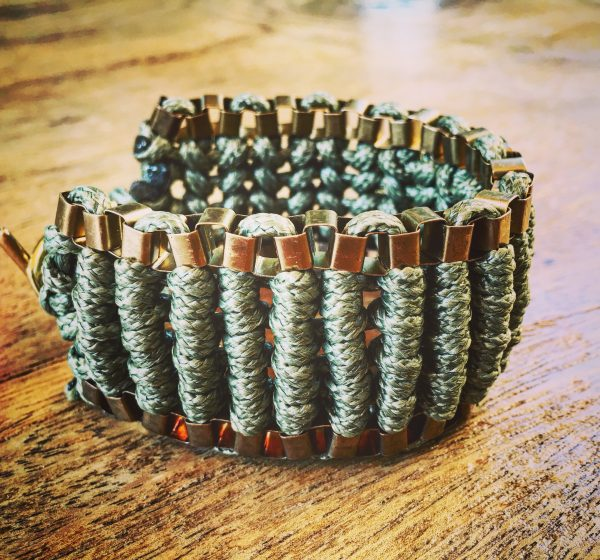 Rock armor Bracelet Olive green Medium