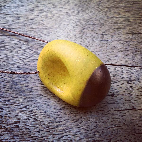 bomb yellow and bronze_