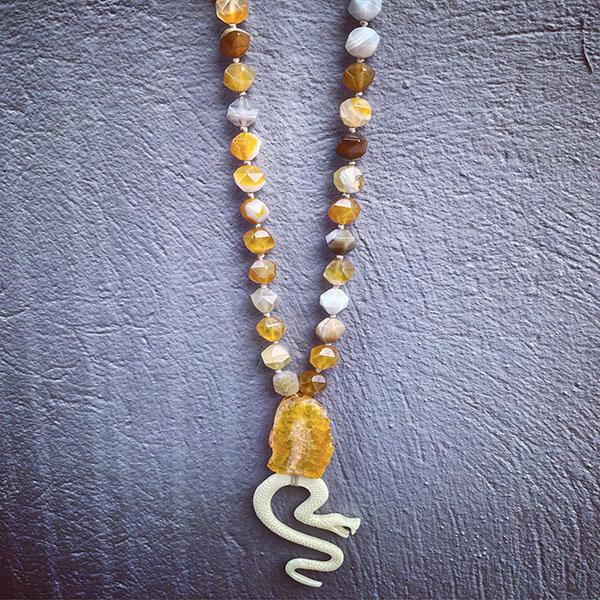 Necklace beige Snake